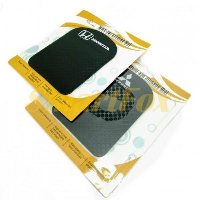 Автомобильный антискользящий силиконовый коврик на торпеду для телефона (12.2х9.3 см)